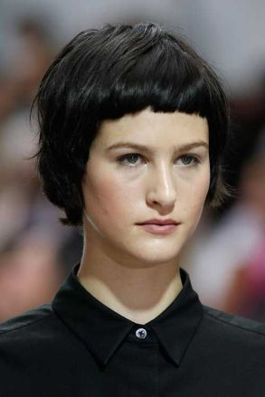 48de7b213f5398f33fd1d19e8ead093e--bang-hairstyles-woman-hairstyles